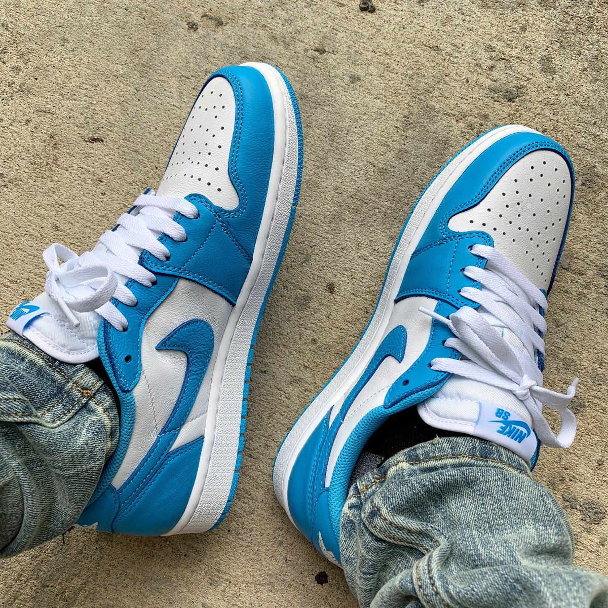 Thoughts on Jordan 1 lows?<br>http://pic.twitter.com/r2W0aLRaaO