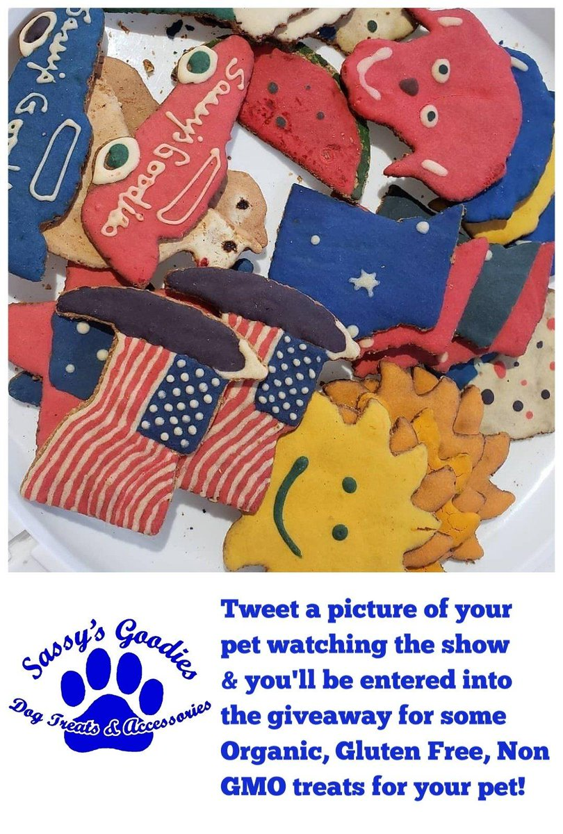 It's contest time!!  Tweet a pic of your pet watching #livepd for a chance to win some awesome treats! Must: 1. Follow @sassysgoodies & @LivePdFans  2. retweet @kendalls4488 @Airforcemom2005 @KerriJean88 @tkeleiott @RitaCla74400841 @K9Garm @K9s4COPs @k9sofvalor<br>http://pic.twitter.com/hsFhJ0vO6z