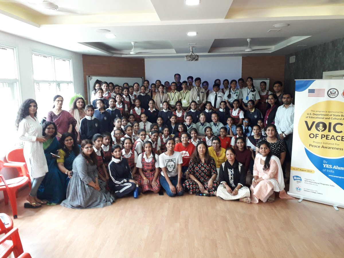 Designed to engage youth n conversation about positive world narrative, global friendship, empathy, etc., the 2nd workshop in the series of Voice of PEACE was organized at Queens College, Indore on August 17, 2019. Congrats, YES Alumni for the success of the 2nd workshop! https://t.co/FdeDQVzPG7