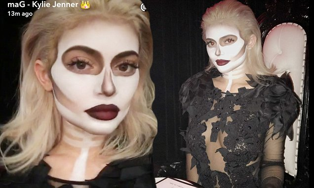 DEAD DINNER: Kylie Jenner Throws EPIC Halloween Party With Boyfriend Tyga and Sister Kendall https://t.co/jsy5uyh5vU #Halloween #KylieJenner #Tyga https://t.co/dCFCjhrdQI