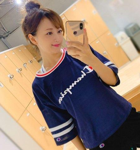 #小松彩夏 さんがジムで筋トレした時の様子を公開💪✨筋トレ内容も教えてくれました🤩💕「絶賛筋肉痛」😂💦「軽めにお願いしたつもりがガッツリ」🤣🤣🤣@ayaka_502ブログはこちら⬇️