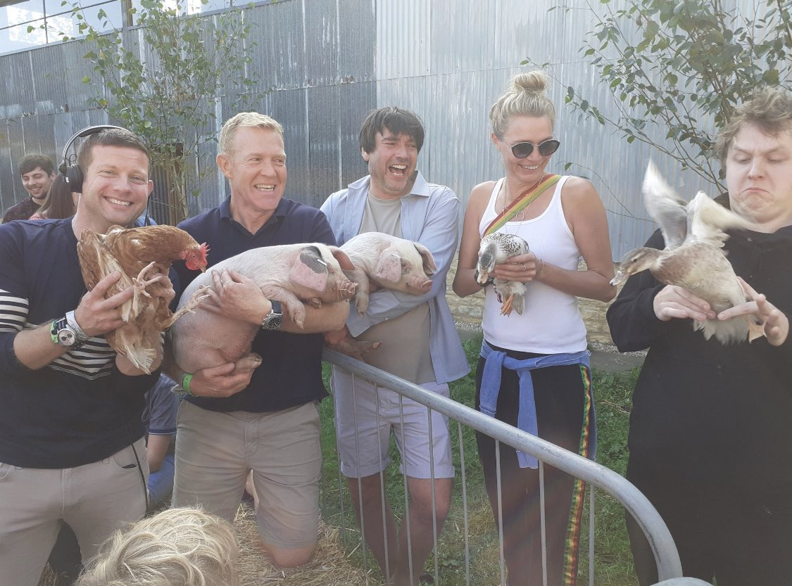 It should come as no surprise that I am a master at dealing with farm animals. Here is the proof. <br>http://pic.twitter.com/W2ln11jVxk