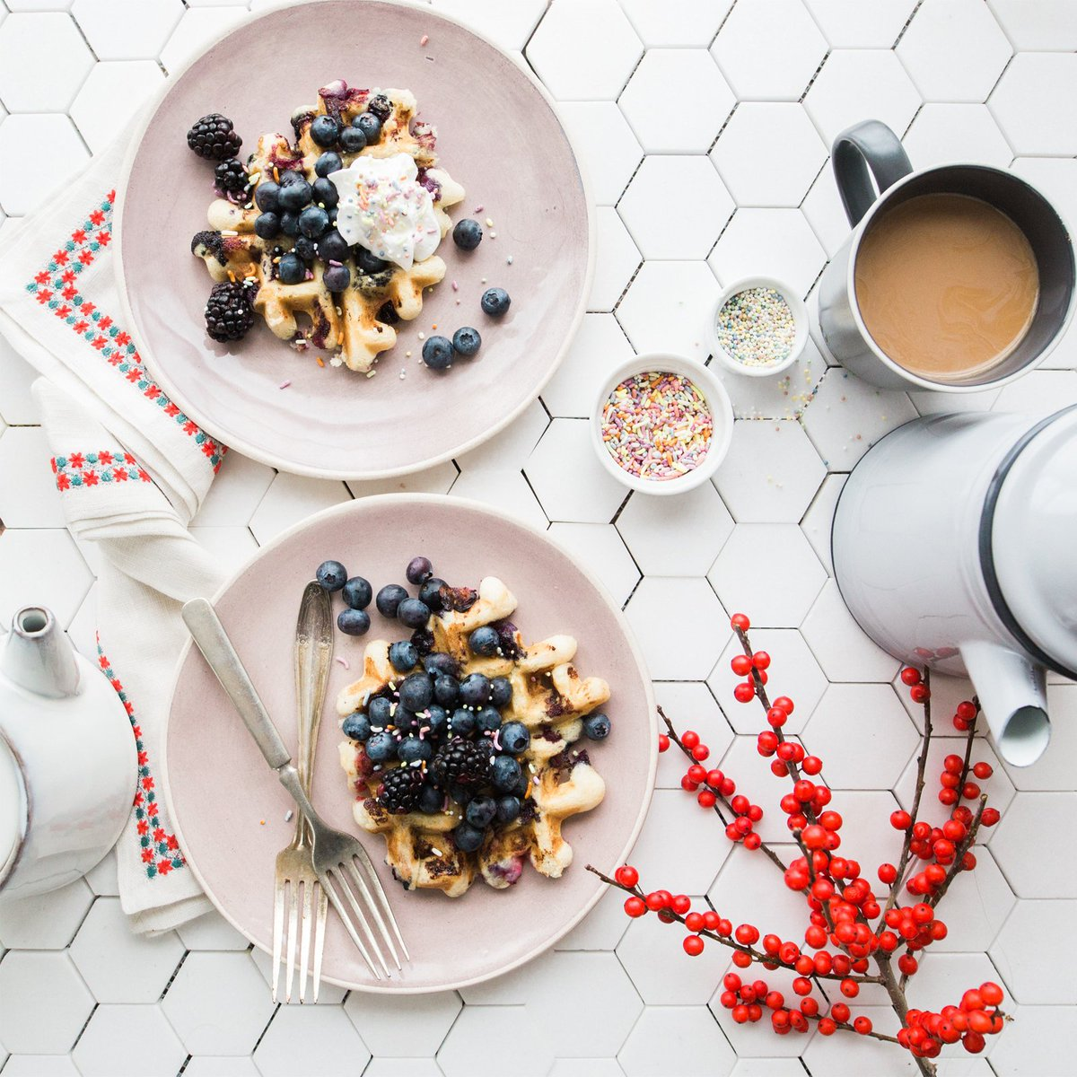 Waking up early to the smell of coffee and waffles is, perhaps, the finest of all simple pleasures. Pairing fresh fruit with waffles just makes it that much more special. Celebrate National Waffle Day with breakfast essentials from Harmony Co-op. https://t.co/9mjTcMCWgZ