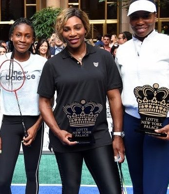 Black sportswoman fabulosity! After playing in an exhibition outdoor badminton match ahead of the US Open: intergenerational black women tennis pkayers - Coco Gauff, Serena Williams, Venus Williams. Next week they play in the US Open. Will one of them win the grand slam US Open? https://t.co/TRAdM0h6An