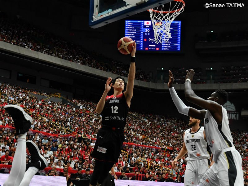 🇯🇵試合結果🇩🇪日本代表、世界22位のドイツに最終Qで逆転し勝利…八村塁は31得点の大活躍 24日に行われた「バスケットボール日本代表国際試合 International Basketball Games 2019」で男子日本代表がドイツ代表と対戦し、86-83で勝利しました。#AkatsukiFive #JAPANMADNESS