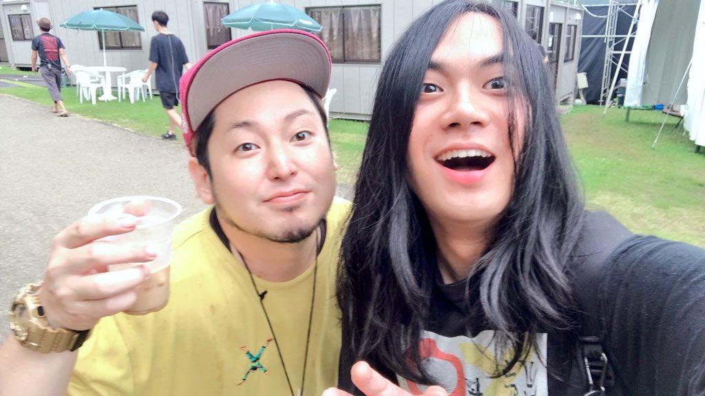 モンバスありがとうございました!いい気候で気持ち良かったね〜🔆香川の番人、モリス兄さんとパシャリ🤩(モンバスの公式キャラクター、このルックスが気になる気になる🤔)