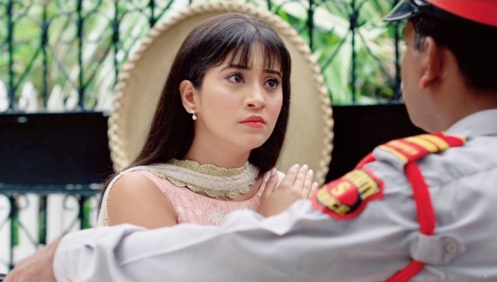 If Naira wants to meet her brother no one can stop her.After all she is our Sherni.  I'm so happy to see Sherni back!  #NairaGoenka #Yrkkh <br>http://pic.twitter.com/8wtF8aDVHw