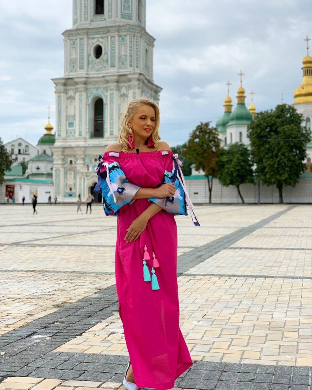 Лілія Ребрик у сукні від Yuliya Magdych