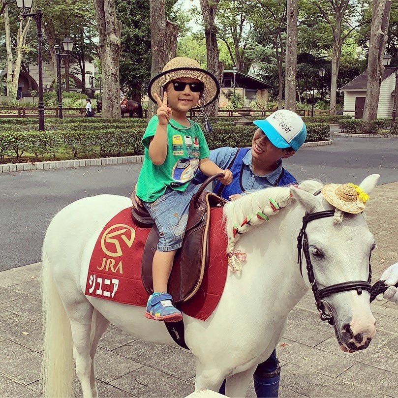 今日はポニーにしました✨  #馬  #乗馬  #競馬  #東京競馬場  #府中競馬場  #府中  #乗馬体験  #日吉ヶ丘公園  #家族でお出かけ  #4歳児