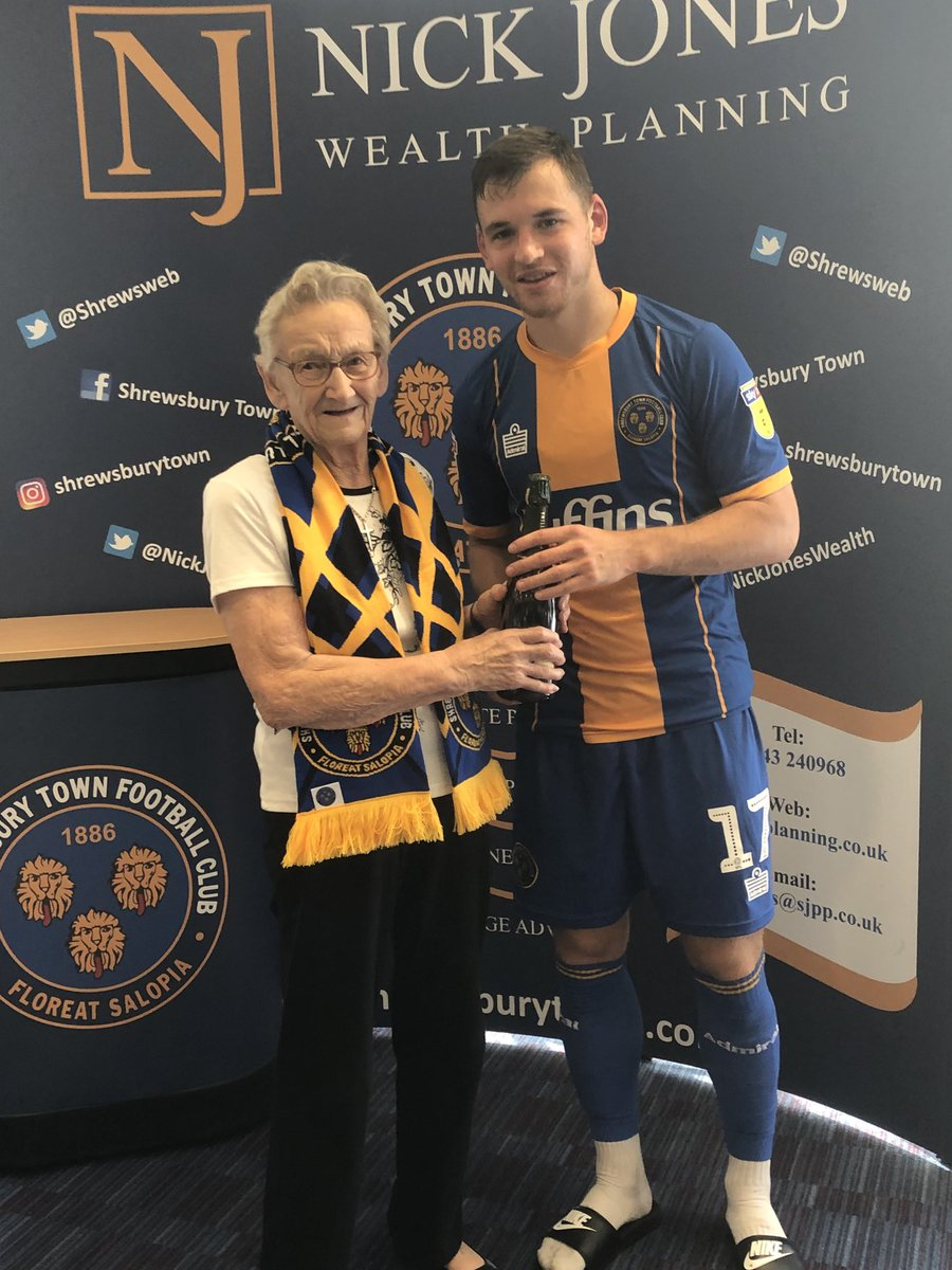 Today's ⁦@NickJonesWealth⁩ Planning man of the match is ⁦@shrewsweb⁩ 's Donald Love, with birthday girl Kathleen Dorset on hand to present the champagne! Hope you enjoyed your first Town game Kathleen!  Well played Donald, and another clean sheet! #Salop <br>http://pic.twitter.com/bEos8fsDmw