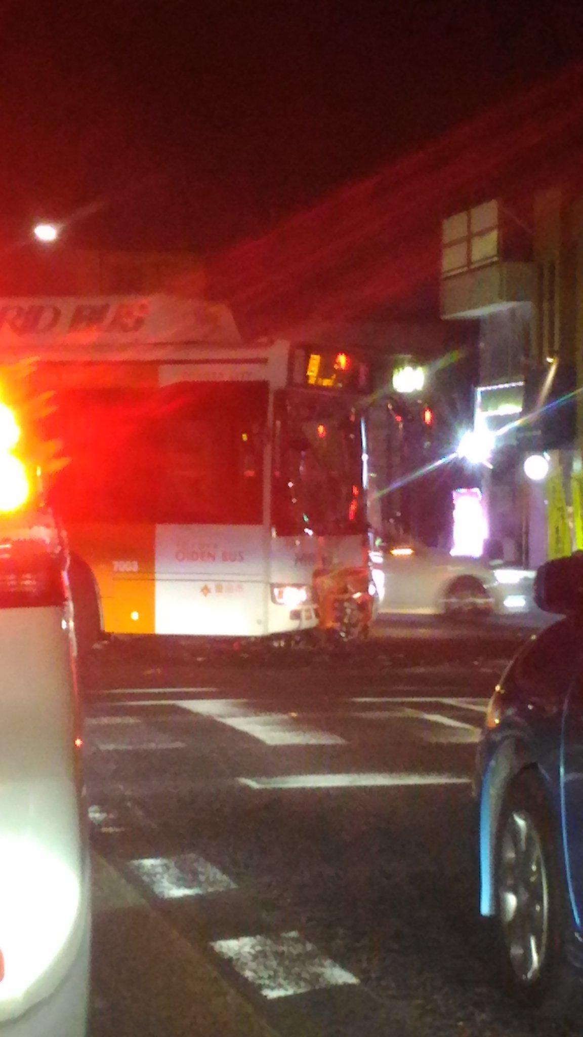 画像,豊田市駅前で、バスと大型二輪の事故。皆さんご安全にお帰り下さいませー。 https://t.co/yHWgdckMej。