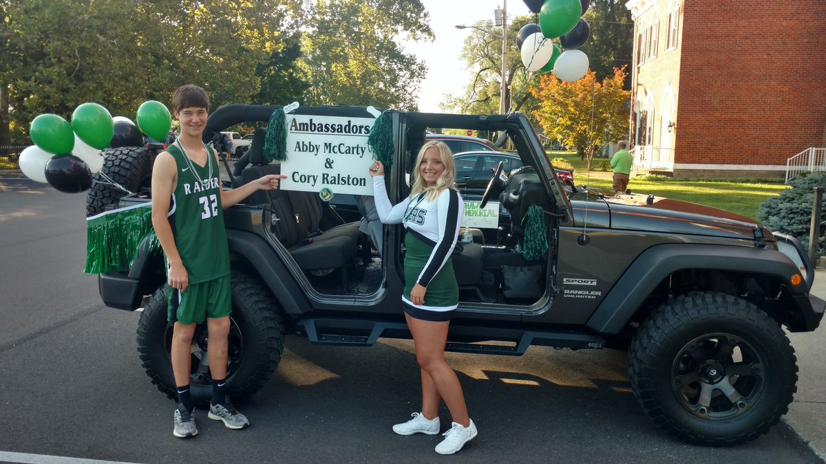 Abby and Cory are ready for the parade at Swiss Wine festival. Thanks to Jim and Becky Roepke for volunteering their Jeep. Good Luck Abby and Cory! SR nation is proud of you. https://t.co/vqkBxcqHZC