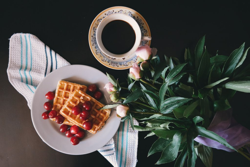Good Morning! Celebrate National Waffle Day this morning and top if off with a cup of No Coast Roast! #nationalwaffleday #brunch #coffee https://t.co/qGEYfXYQFc