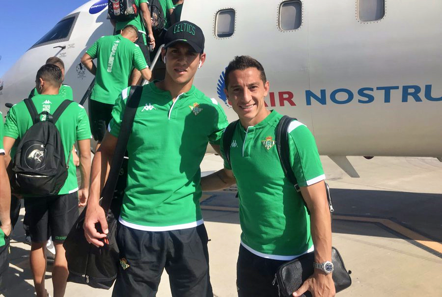 Aissa Mandi makes his returns to the Real Betis squad after spending the summer winning the Africa Cup #AFCON2019 😎