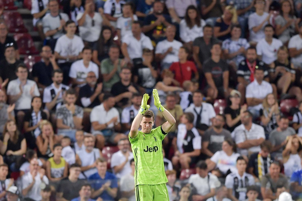 Nombre de tifosi en Italie/club (sondage StageUp-Ipsos pour la Gazzetta) :    Juventus : 8.725.000  Inter : 3.975.000  Milan : 3.868.000  Napoli : 2.783.000  Roma : 1.895.000  Fiorentina : 673.000  (@Guillaumemp)<br>http://pic.twitter.com/iYVV7Kfljy
