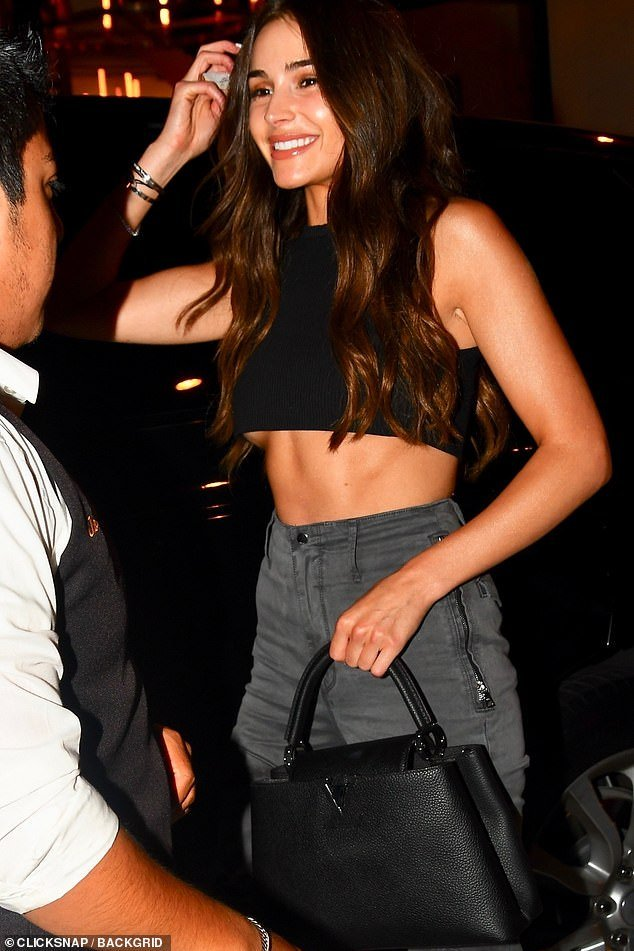 #RT @wehateporn: #Hot actress Olivia Culpo looks sensational as she displays her toned abs in a tiny black crop top and grey combat trousers for a night out in LA. https://t.co/iRHxOqNmeB