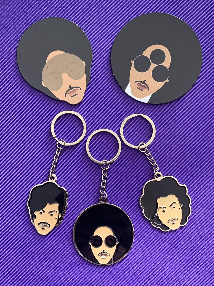 Featuring the fantastic art work of @RedFoxBandit these beautiful OFFICIAL Key Rings and Fridge Magnets have just arrived IN STORE & ONLINE Produced by Bravado US check out all the NEW ARRIVALS here;  https:// rockitpoole.com/collections/pr ince-latest-additions  …   #Prince #Prince4Ever  #OfficialPrinceMerch #rockitpoole<br>http://pic.twitter.com/dKHxvhmOYb