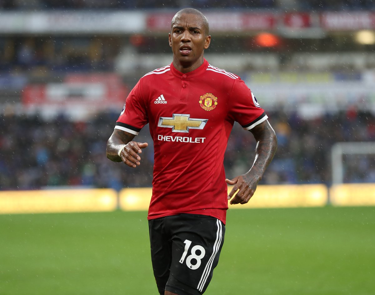 @FootyAccums's photo on ashley young