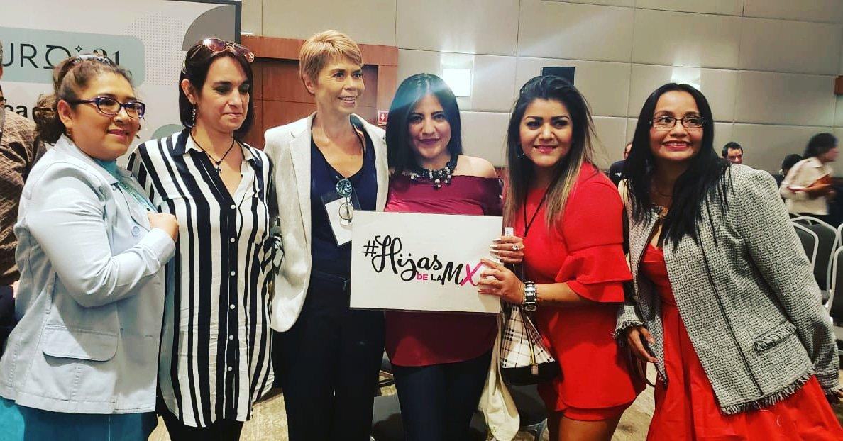 Gracias @PagesBeatrizPor la atención prestada a @HijasDeLaMx Si, estamos trabajando,si en pro de México,no, no importa que nos critiquenSi, seguiremos adelante#HijasDeLaMx #HijasDeLaMxEnUSA#ContruyendoElFuturo