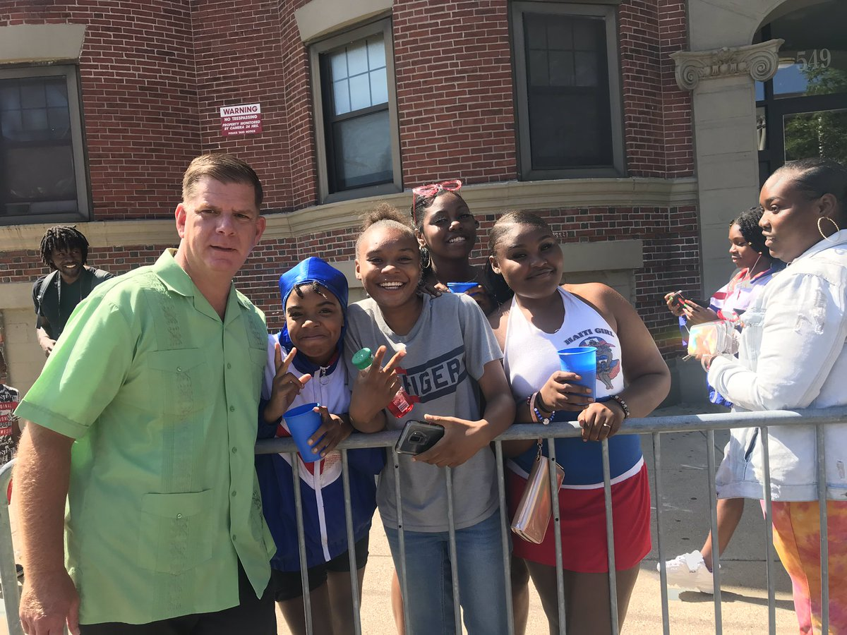 It's carnival time in #Roxbury. @marty_walsh is front and center hanging with residents and celebrating the festivities!