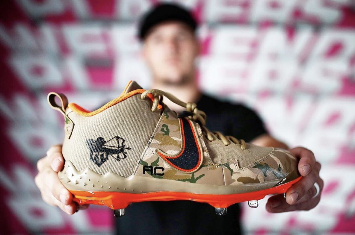 RT @BaseballBros: Mike Trout pays tribute to his late brother-in-law, Aaron Cox with his Players' Weekend cleats https://t.co/fyQiu74yyo