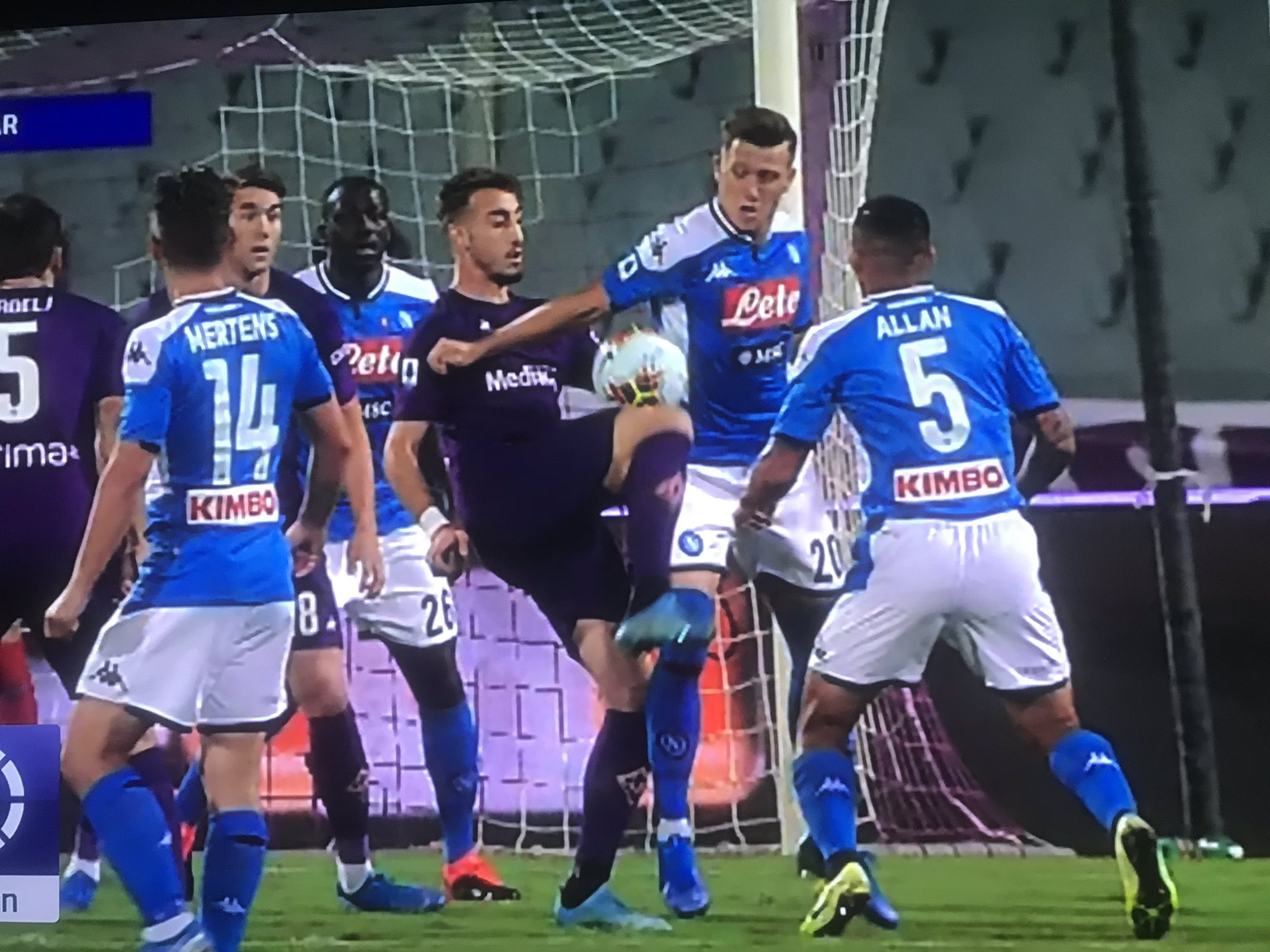 """Pistocchi: """"Massa una sciagura sbaglia su i rigori di Fiorentina-Napoli"""""""