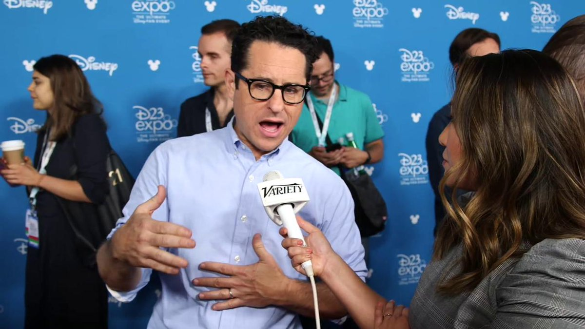 """JJ Abrams: """"We knew there was no way to tell the end of the Skywalker saga without Leia"""" #StarWars #D23Expo"""