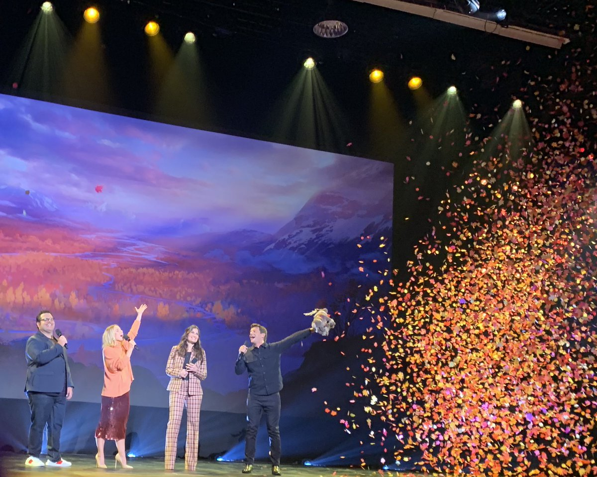 .@idinamenzel, @KristenBell, @joshgad, and Jonathan Groff close out today's panel with a showstopping #Frozen2 performance. #D23Expo<br>http://pic.twitter.com/tWi1W64fOd