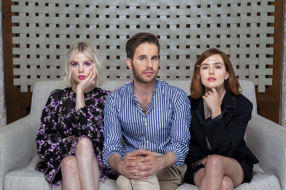 Zoey Deutch, Lucy Boynton & Ben Platt - Jay L. Clendenin Photoshoot for Los Angeles Times (June 11, 2019) https://t.co/pd9o7VnQ3V
