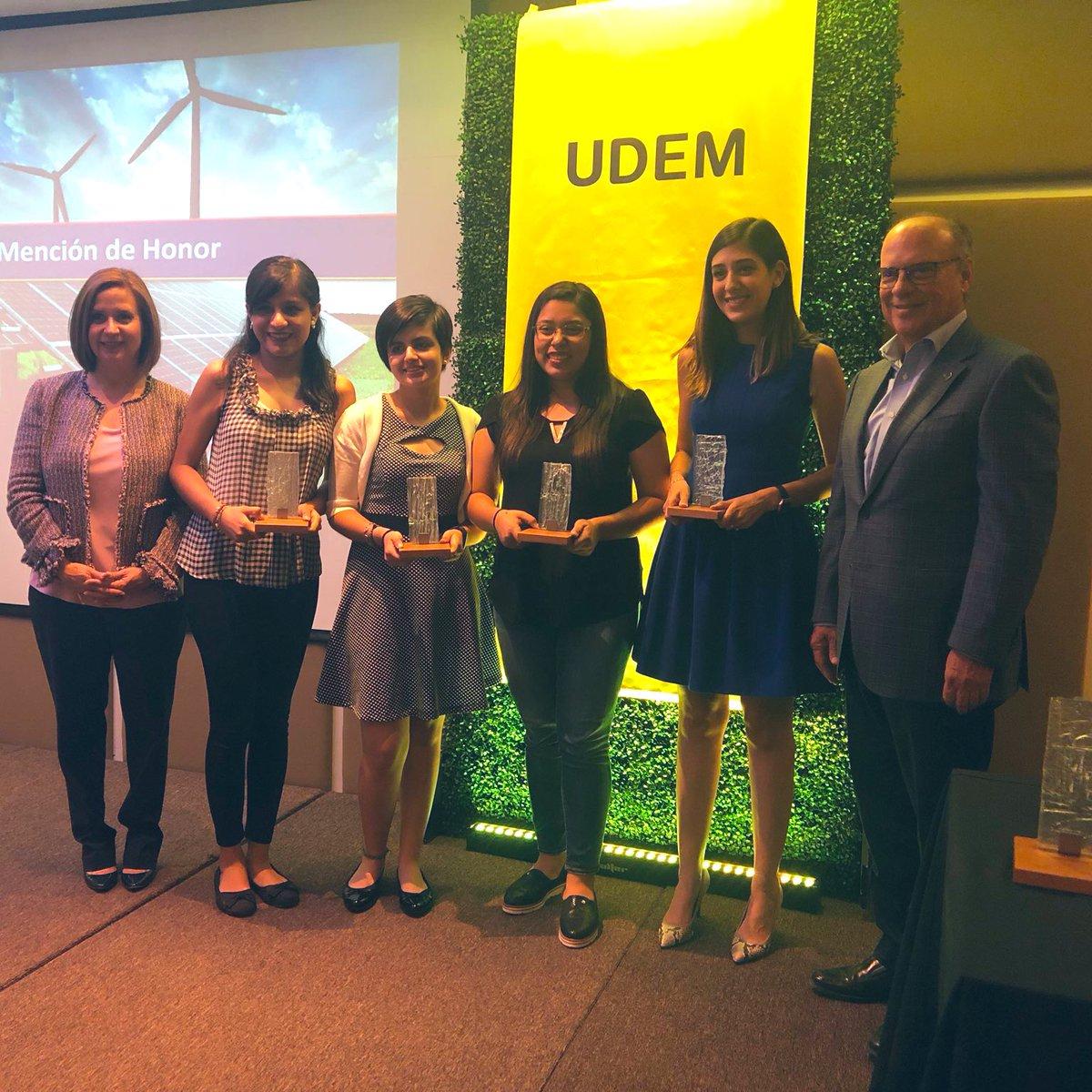 Felicito a nuestros alumnos @UDEM que participaron en el Premio Xignux 2019. Uno de los equipos obtuvo el primer lugar y otro mención honorífica. Deseo que sus proyectos trasciendan en todos los sentidos en beneficio de la comunidad.