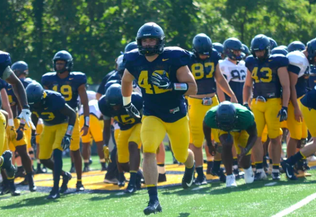 """#WVU fullback Logan Thimons understands that in today's college football his position is few and far between, but that doesn't mean it can't be effective.  """"I'm just trying to prove myself in that role."""" https://t.co/iyXzrTuKLp  Discuss: https://t.co/cEgh0Pz23X https://t.co/3ed3iymAiK"""