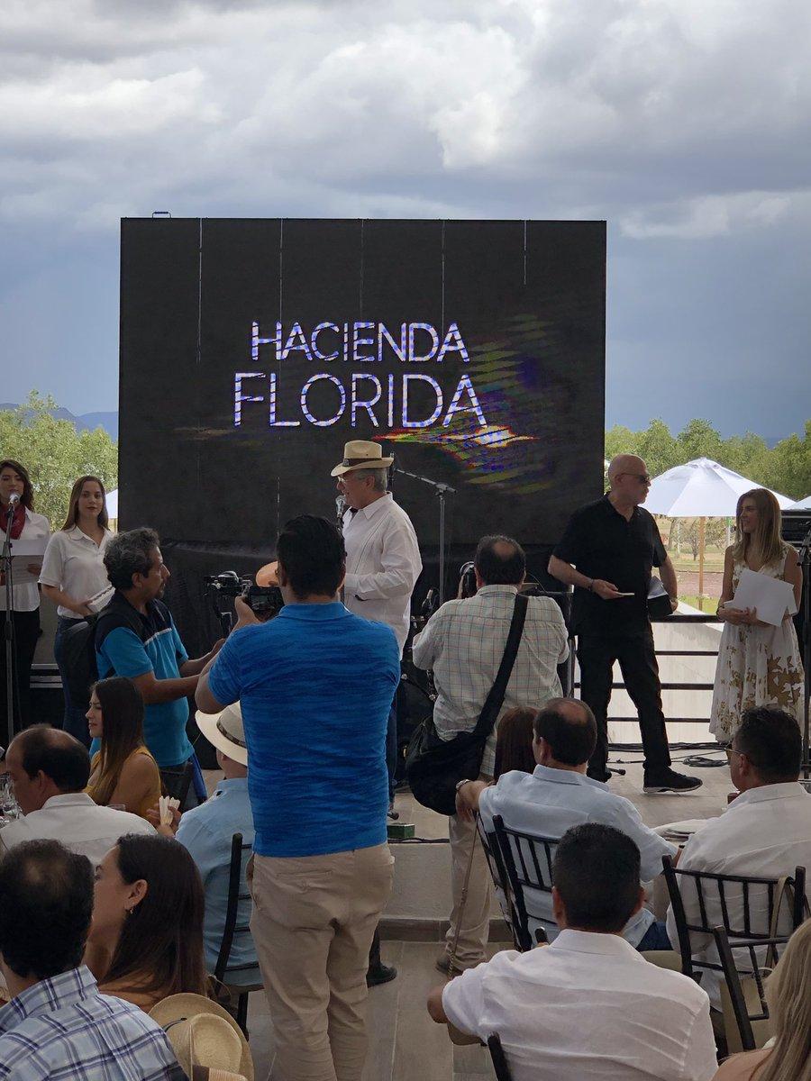 Felicidades a Salomon Abedrop por el trabajo esfuerzo y dedicación en @haciendaflorida. Excelente evento de la vendimia en Gral Cepeda , Coahuila. Enhorabuena