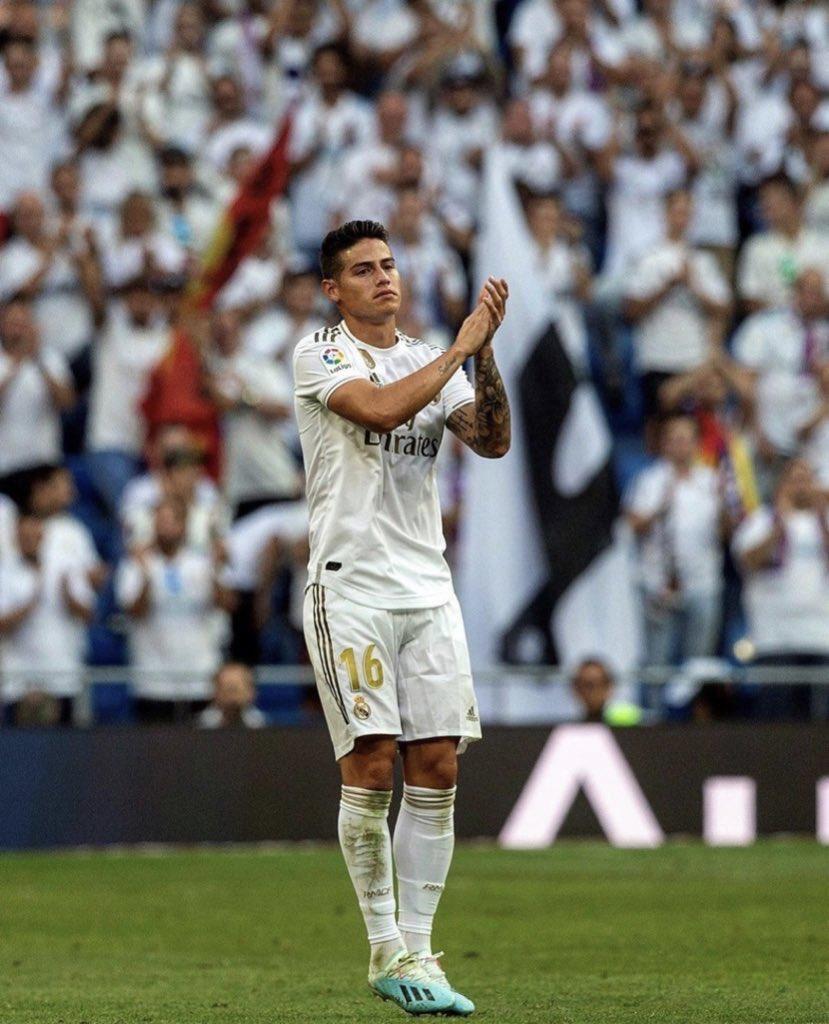 Después de un largo tiempo he vuelto al Bernabéu ❤. Ha sido una una sensación única. Gracias a la afición por el cariño. Seguiremos trabajando para mejorar.