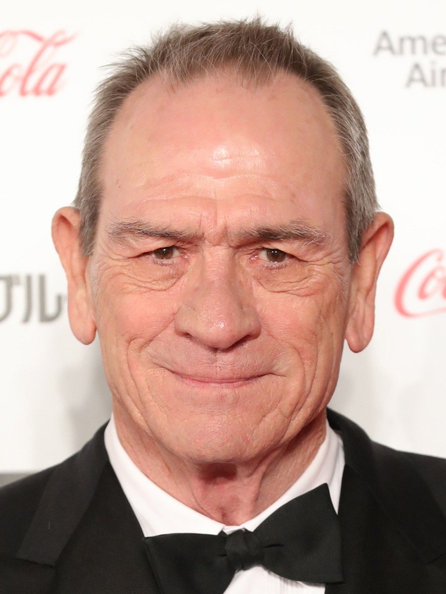 Social experiment:  My fiance keeps saying Tommy Lee Jones and Robert De Niro look exactly alike.  Like and/or retweet if you disagree with them, comment below if you think they're the same damn person. https://t.co/nVwgRx9AAR