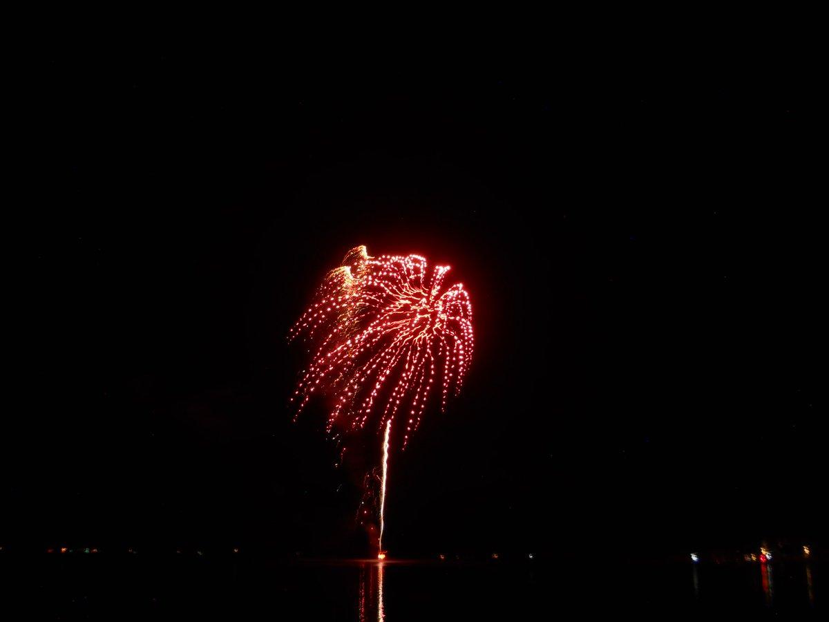 RT @BristolNHWx: Bristol Bicentennial Fireworks over Newfound Lake https://t.co/SndGH0JdUx