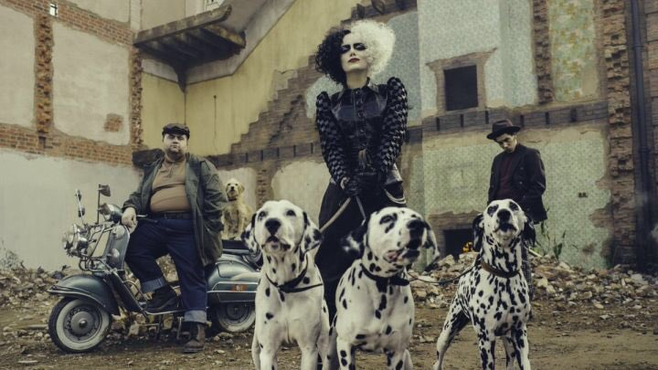 Ooh Hell Yea! Emma Stone looking Legit like Cruella de Vil this movie looks like it's gonna be great #Cruella #EmmaStone #disney23 #DisneyPlus https://t.co/xbtQN21R4M