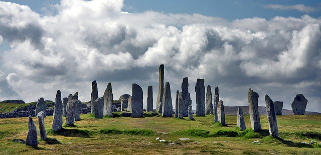 Tour #Scotland Travel Blog video of the famous #Callanish Prehistoric Stones on ancestry, genealogy, history visit to #Isle of #Lewis #Outer, #Hebrides. #Scottish Giants who lived here refused to be converted to Christianity and were turned into stone https://tour-scotland-photographs.blogspot.com/2013/12/tour-scotland-video-callanish-standing.html…