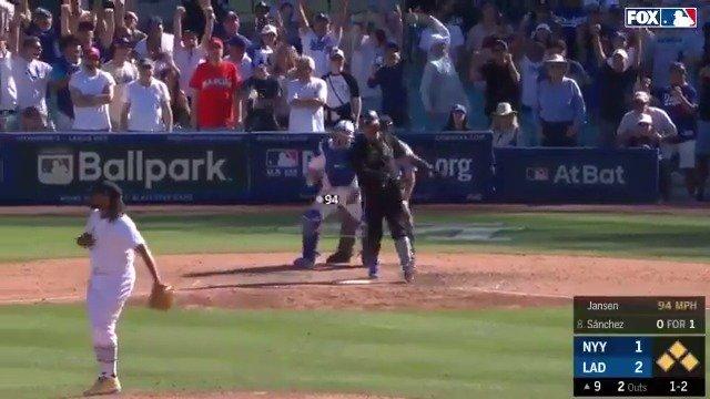 RT @MLBONFOX: KENLEY SHUTS THE DOOR! @Dodgers win! https://t.co/6us2tNKFbK