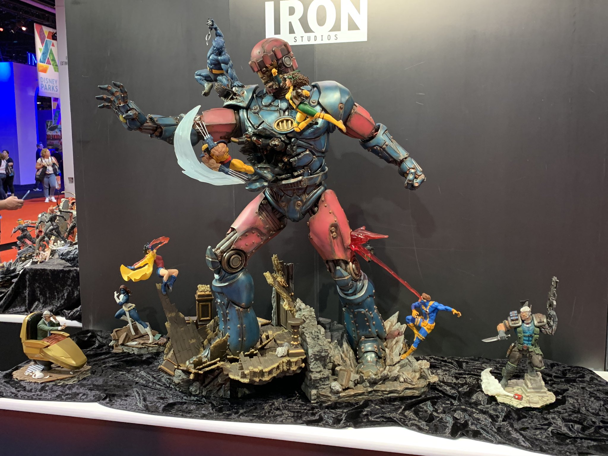 NEW D23 Expo 2019 Iron Studios Marvel X-Men Poster Gold Member Exclusive