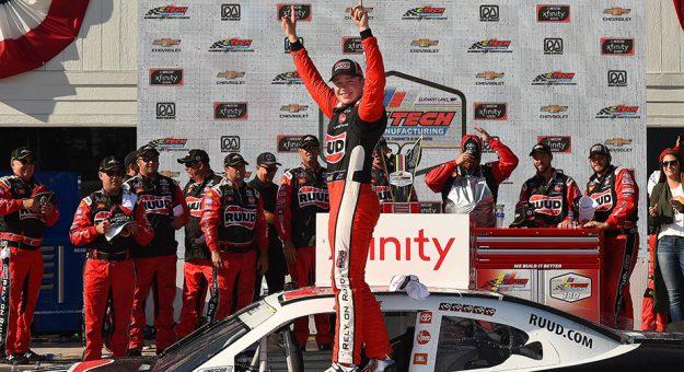 NASCAR XFINITY Series: Christopher Bell vence em Road America   Veja mais: https://t.co/dfij7dAuN3 https://t.co/mhZ74sD7x3