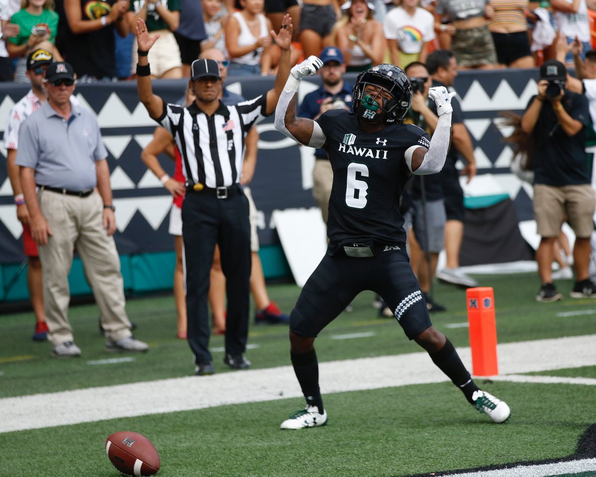 What a season opener for @HawaiiFootball WR Cedric Byrd II: 🌈 1st FBS WR to record 4 TD catches in opening game in over 20 years 🌈 14 catches for 224 yards 🌈 Helps lead upset over Arizona