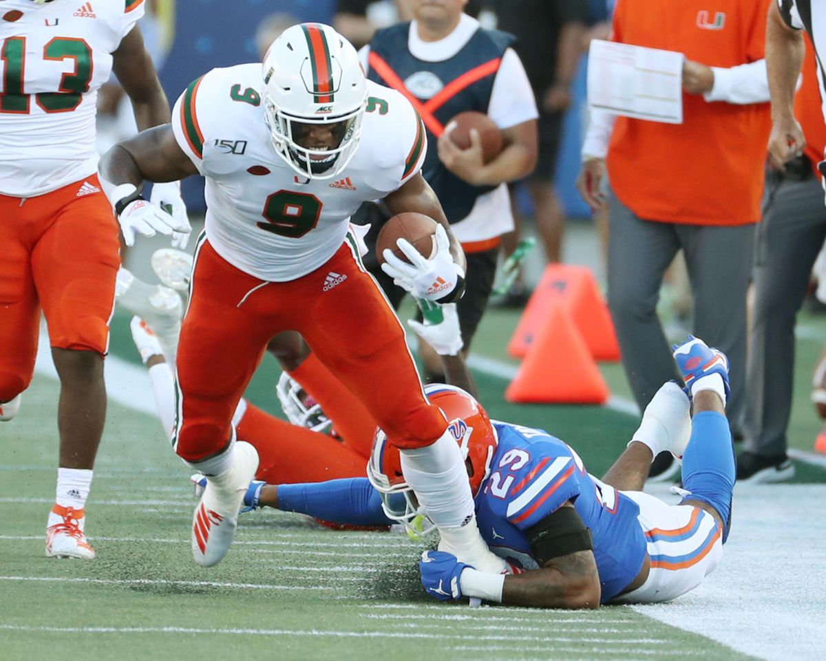 Live blog: Miami Hurricanes 20, Florida Gators 17 (Fourth quarter) https://t.co/yx6ogICSKs https://t.co/KVNuTnYiP7