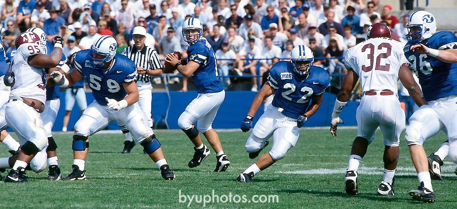 23 years ago today, I attended my very first football game: BYU vs Texas A&M in the 1996 Pigskin Classic. What a game to be my first, right? I was 10 years old. Steve Sarkisian threw for 536 yds and 6 TDs and BYU beat the Aggies 41-37. https://t.co/bTLyMsc23y