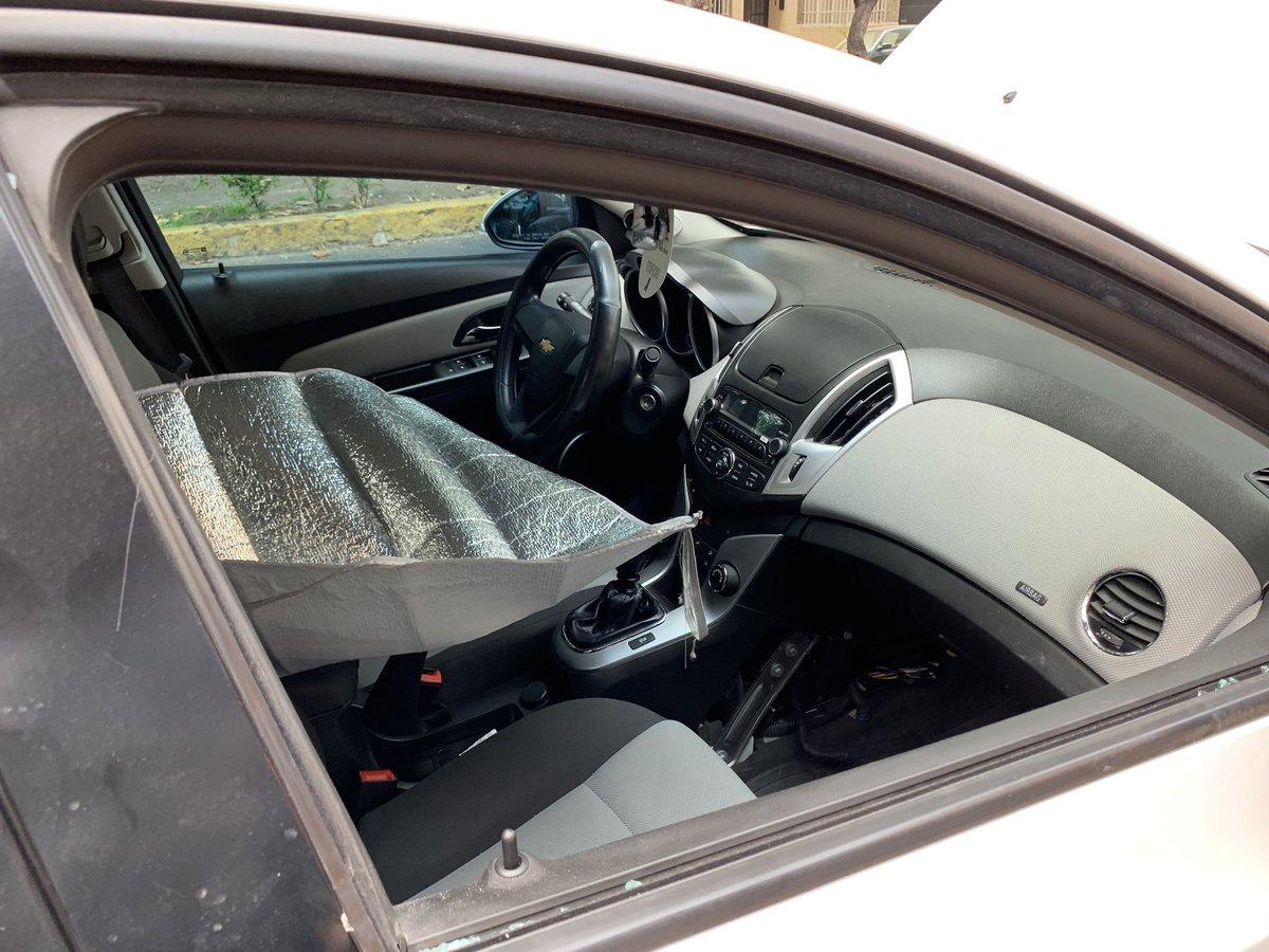 @kjpulido @Claudiashein @SSP_CDMX @SSCJesusOrta Aquí las evidencias de los daños que le hicieron a mi vehículo al cual robaron la computadora, espero una apoyo real y una respuesta positiva para esclarecer este caso @ErnestinaGodoy_ @Sandra_Romandia @azucenau @CiroGomezL @PaolaVirrueta @wbcmoro @ciro_nucci @DanielaHigueraA