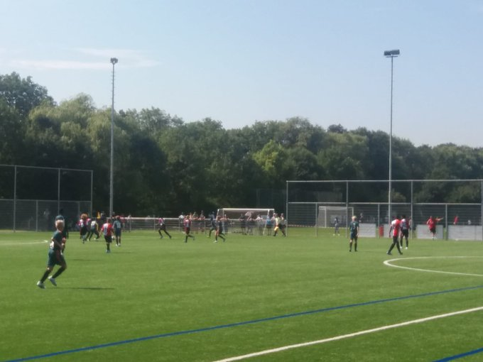 Ajax-Feyenoord gaande bij sportpark 's-Gravenzande tijdens het Boal international U14 tournament. https://t.co/hJkNc9mDZE
