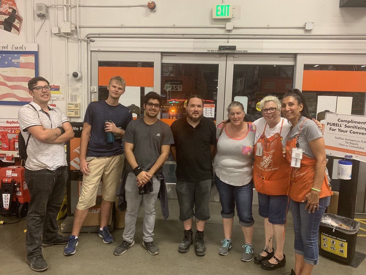 Nothing makes me more proud to be an ASM than this right here: camaraderie! Thank you all for making my first hard close...not so hard! #truxelroad #sacramento #oneteam