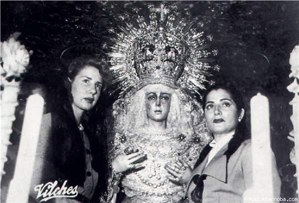 """#Efeméride: 25/08/1925.En un día como hoy NACE la gran cantante y actriz sevillana doña Juana Reina Castrillo, """"JUANITA REINA"""", conocida como """"La Reina de la Copla"""", hermana y gran benefectora de nuestra @Hdad_Macarena@alliveSSevilla. #SpesNostra"""