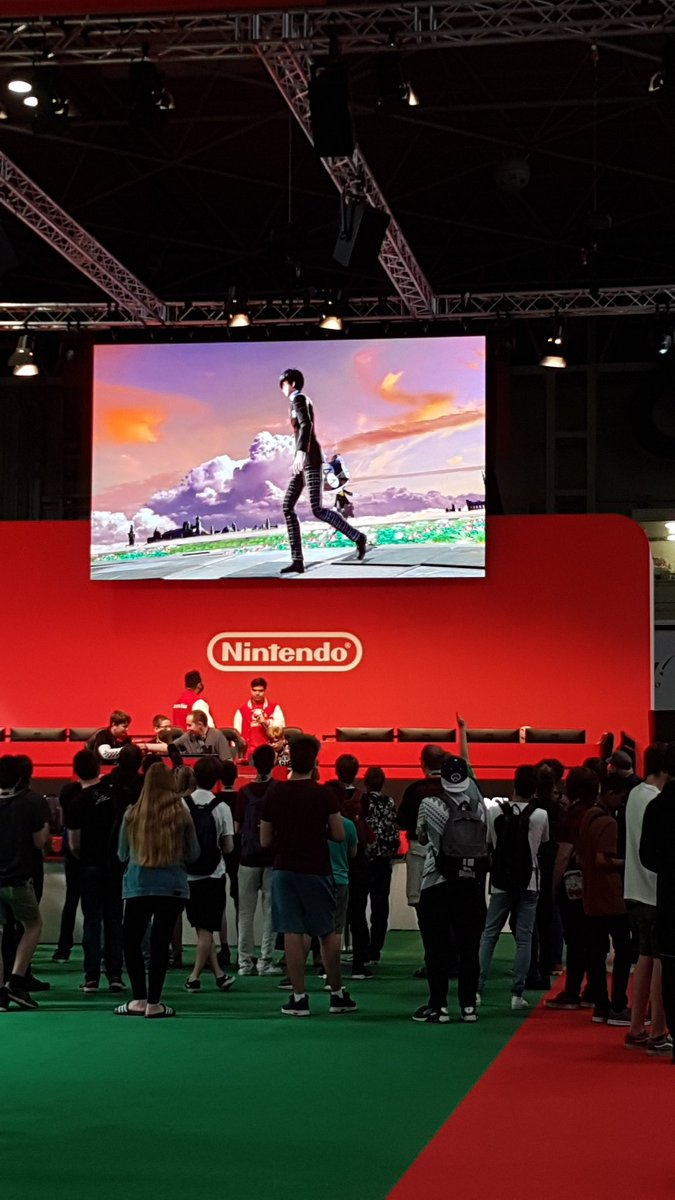 Check out the #Nintendo area at #Insomnia65!  Smash Bros tournament currently going on, and tons of people queuing up to try out Luigi's Mansion 3, Legend of Zelda: Link's Awakening, and Pokemon Sword & Shield! https://t.co/SjbOtppyPn