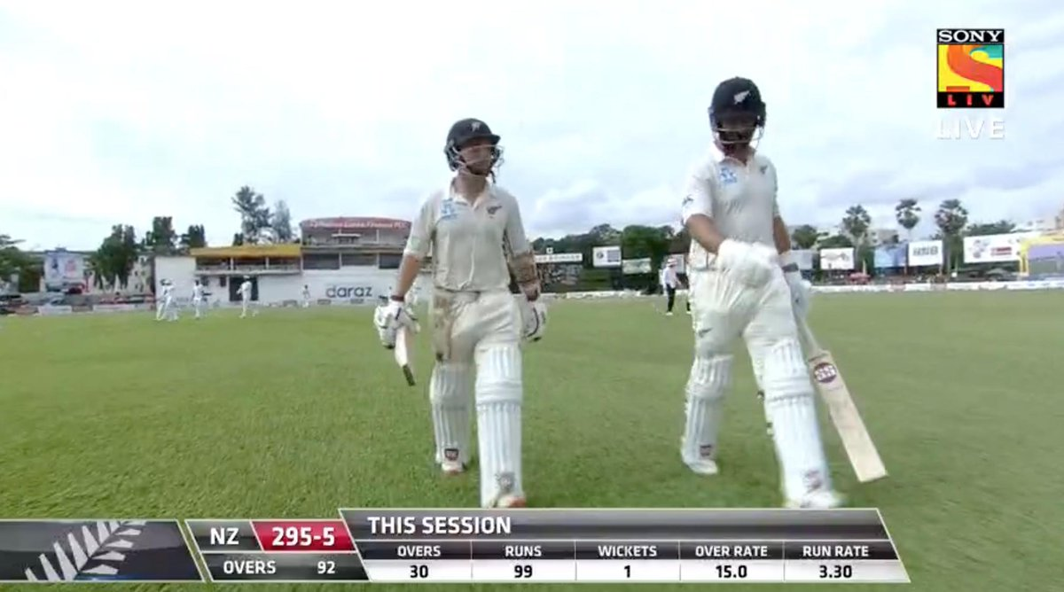 """""""A perfect session for NZ"""" says @Sdoull on @skysportnz and hard to argue as Colin de Grandhomme ices it with a HUGE six before tea #newball Final session day four in 20 mins time: https://scoring.nzc.nz/livescoring/match013d6a88-34b3-428d-a7e4-57e8e6b49a1a/scorecard.aspx… #SLvNZ #WTC21"""