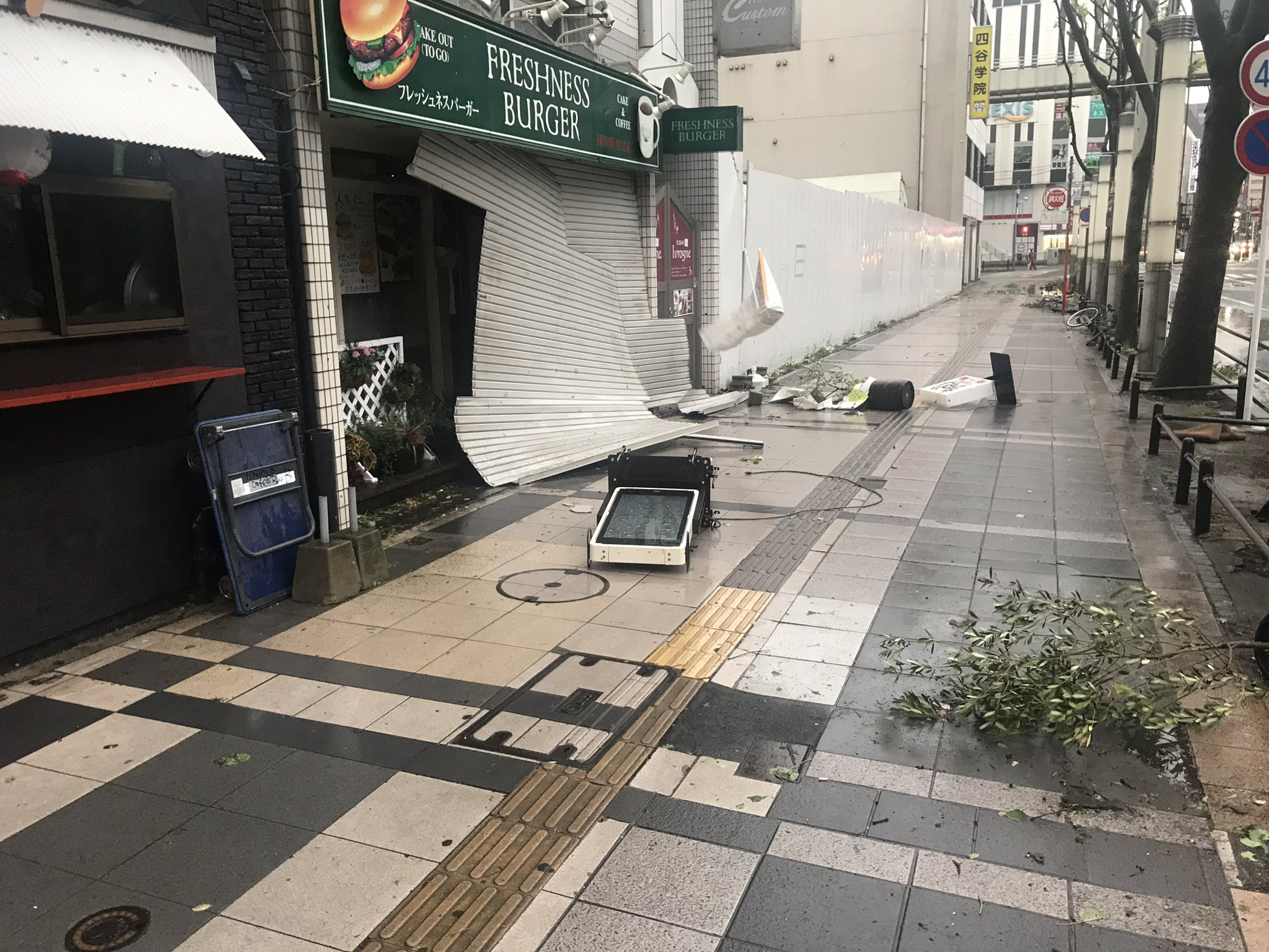 画像,千葉都市モノレールが動かないから自転車で出勤!台風被害情報! https://t.co/6nAFIsra93。